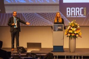 Auf der BARC-Bühne: Carolin Borchert und Christian Schneider von MTS Sensors © Andreas Bitterer, BARC