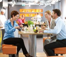 Österreichs Marktführer in Sachen Menü-, Catering- und Gastronomie-Services, nutzt Qlik Sense® für visuelle Datenanalysen und profitiert von umfassenden Visualisierungs-Möglichkeiten in Finanzen und Controlling.